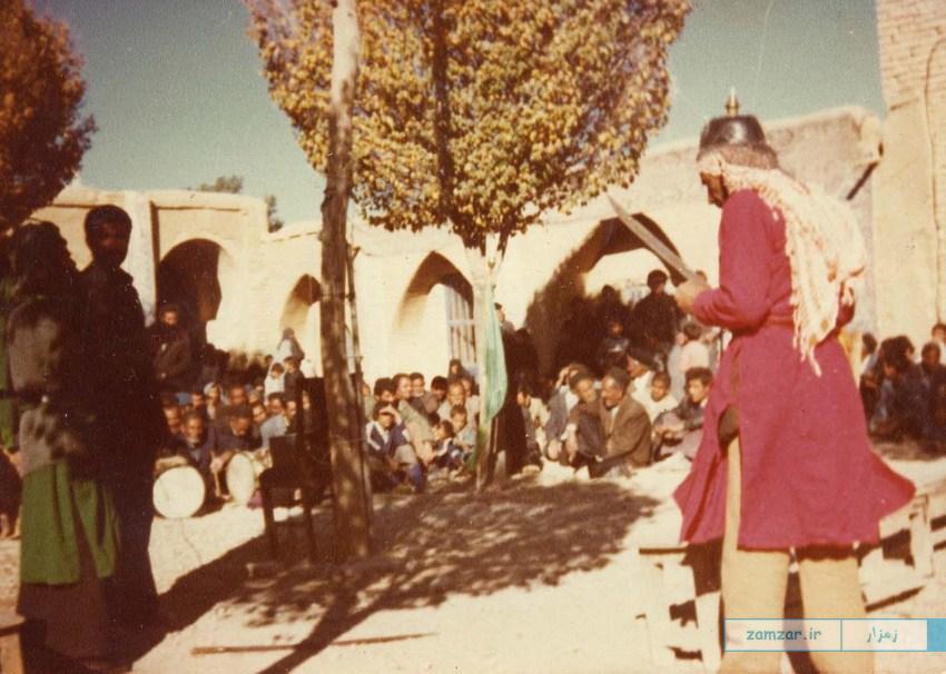 تعزیه حضرت عباس -حسینیه کرکوند-دهه 50 خورشیدی (3)