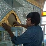 نصب ضریح امامزاده حلیمه خاتون(س) شهر کرکوند – زمستان ۱۳۸۸