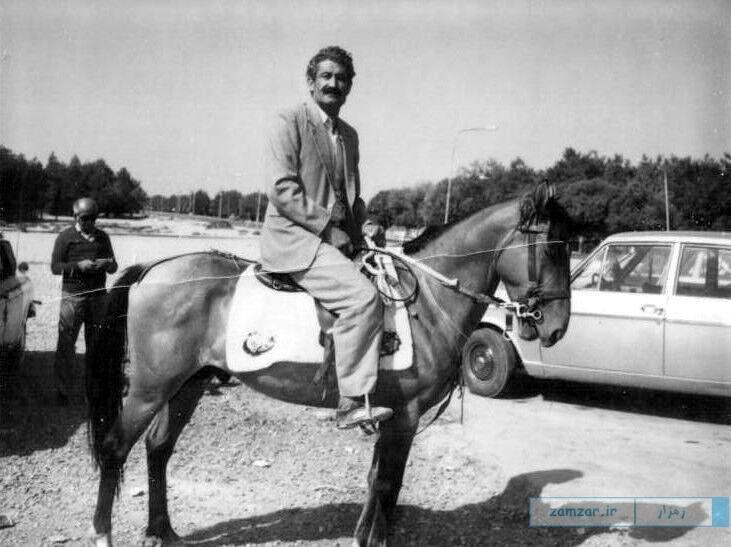 حاج باقر رفیعی در حال سوارکاری دهه 40 خورشیدی