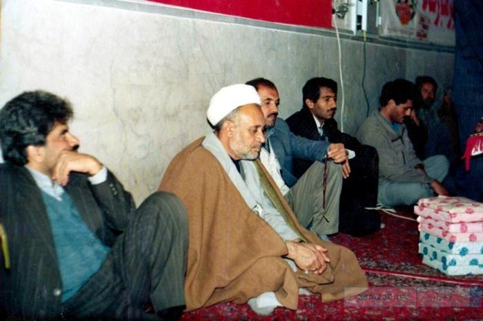 مراسم جشن دهه فجر سال 1373 با حضور فرماندار وقت شهرستان مبارکه و جمعی از مسئولین کرکوند