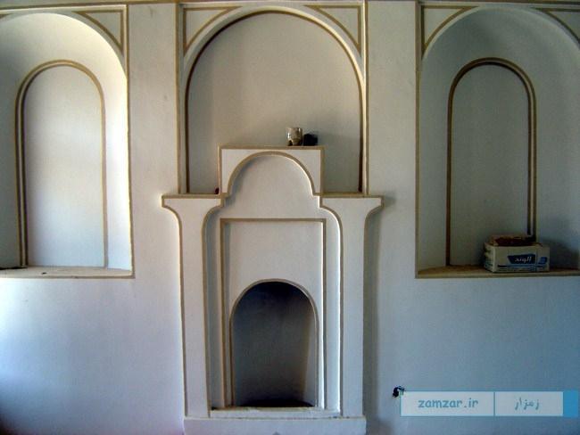 تصاویر خانه اربابی شهر کرکوند قبل و حین بازسازی و مرمت بنا