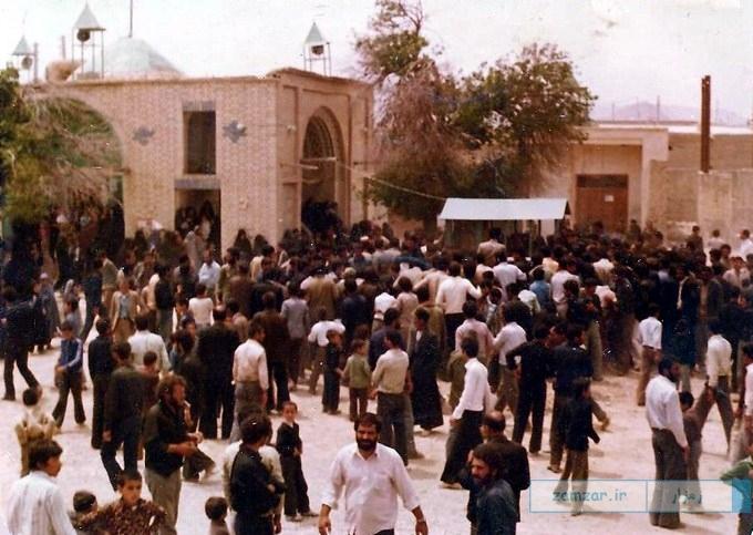 مراسم خاکسپاری در امامزاده