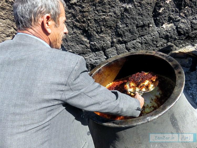 ( محرم 95 شهر کرکوند ) پخت نذری روز عاشورا