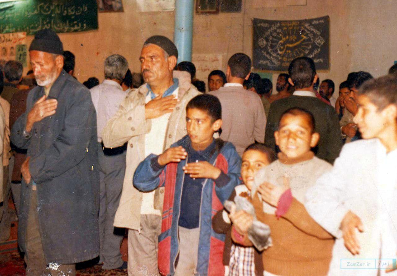 (عکس) استقبال مردم کرکوند از هیئت محمدی شیراز 1366 خورشیدی