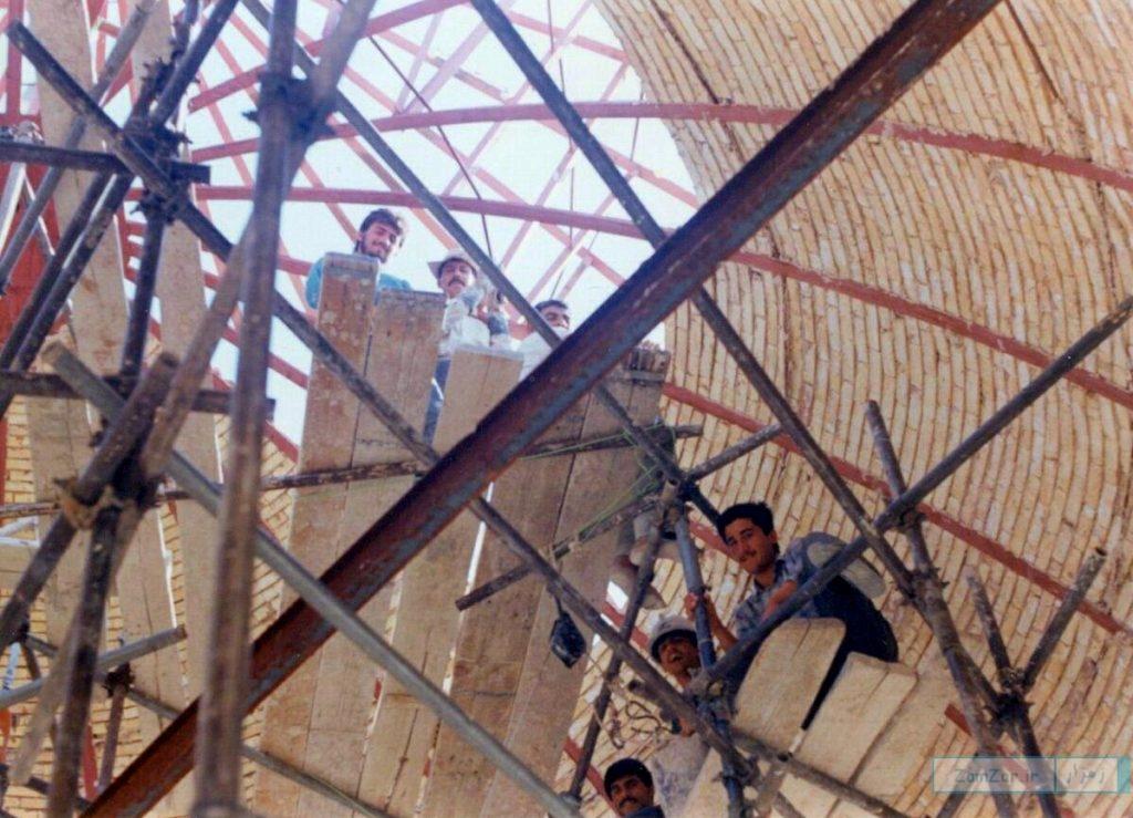 (تصاویر) بازسازی حرم امامزاده حلیمه خاتون (س) کرکوند در دهه 70 خورشیدی