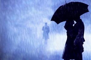 از باران لذت میبری، از شب یا از او؟!