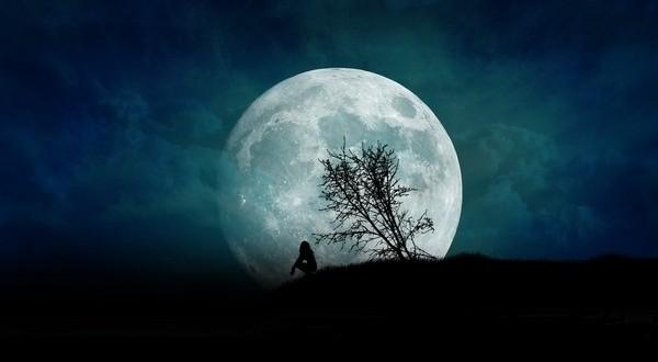 مهتاب عاشقانه